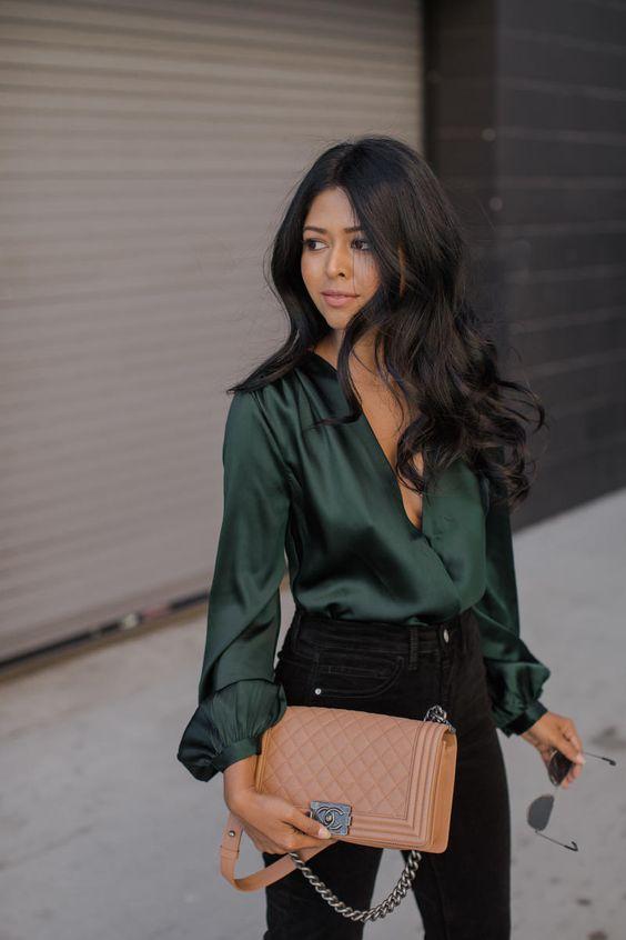 áo blouse cổ chữ V