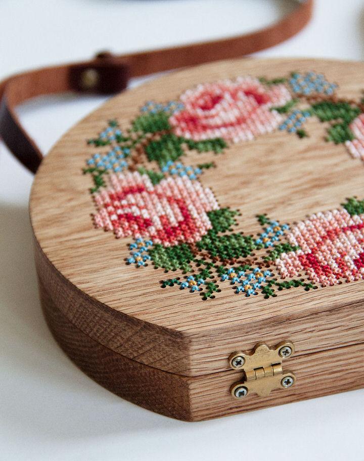 Túi gỗ họa tiết tinh tế